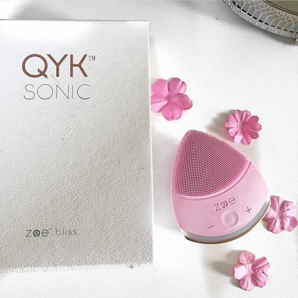 Qyk Sonic: Zoe facial cleansing device
